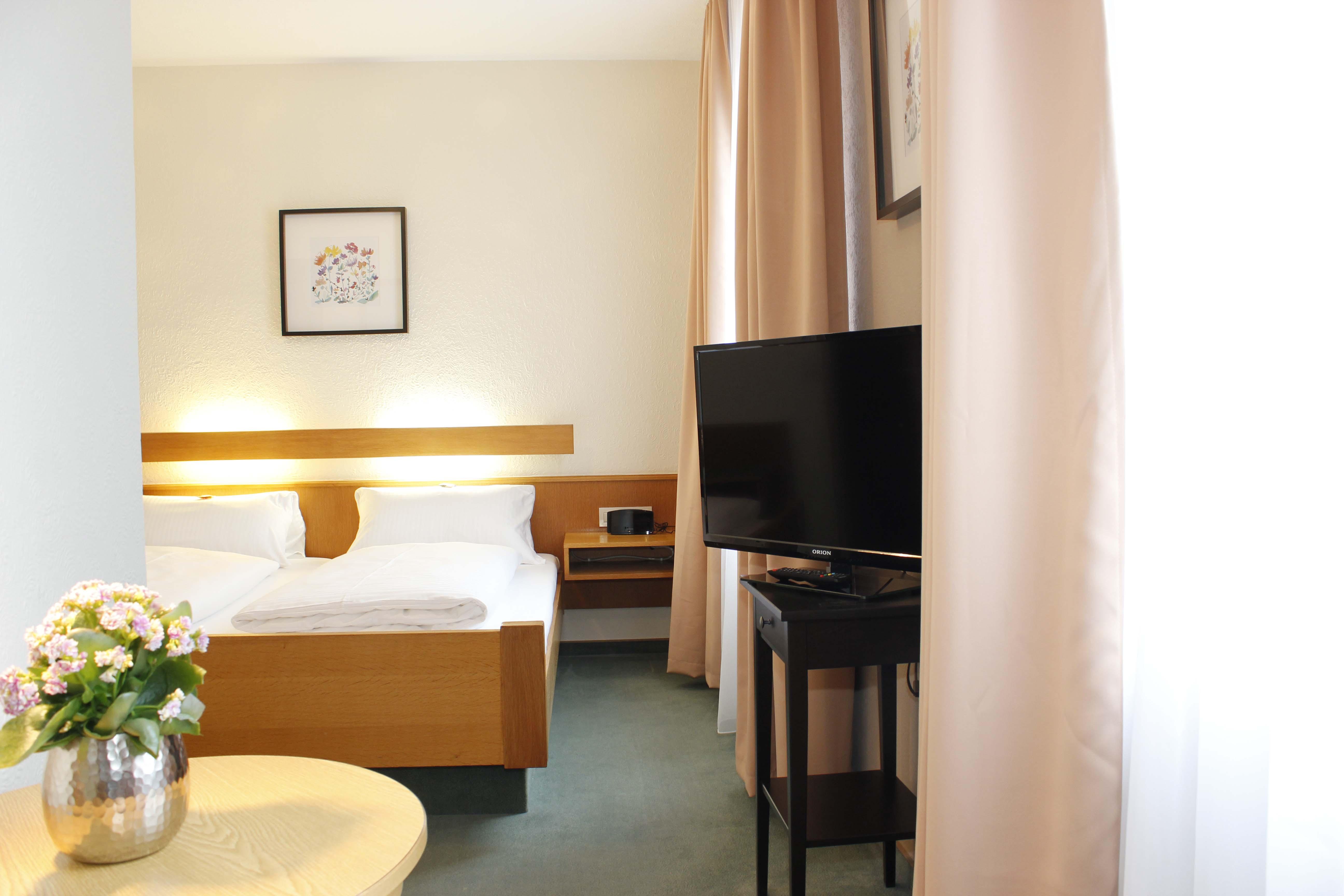 Fr hst ck for Hotel wurzburg zentrum